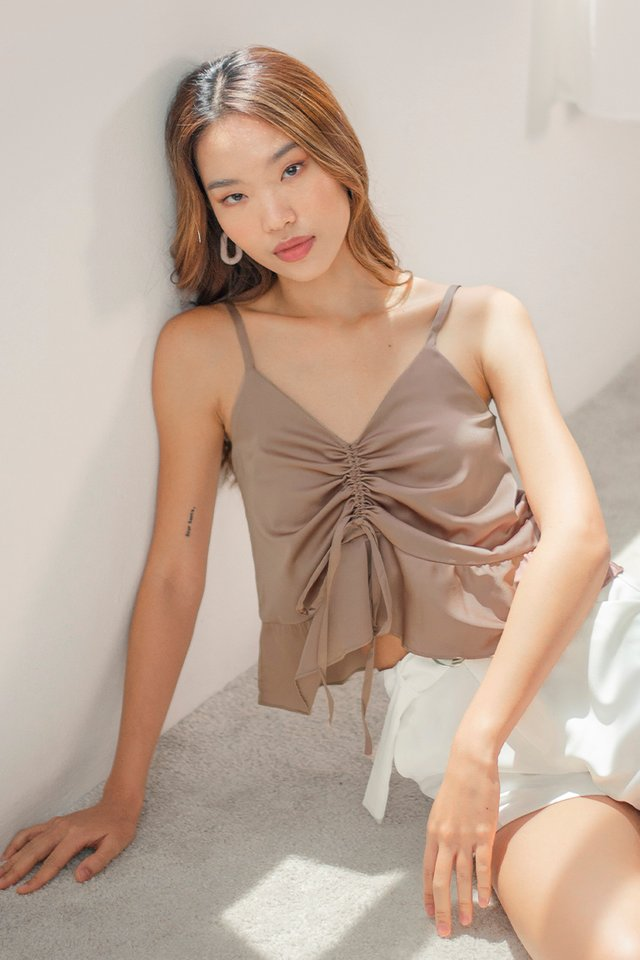 IRIS SATIN SCRUNCH TOP #MADEBYLOVET (MOCHA)