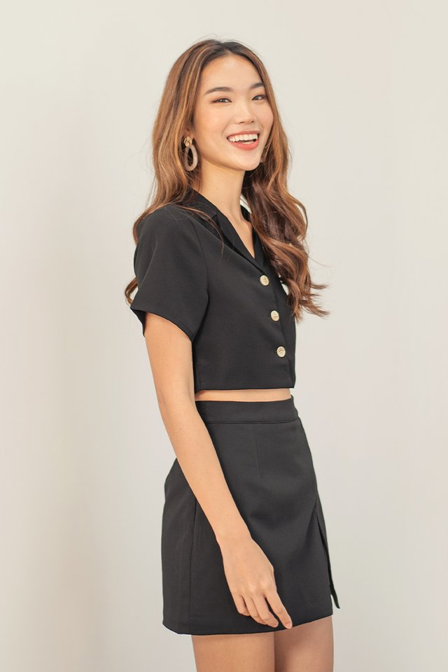 BRIENNA COLLAR CROP SHIRT #MADEBYLOVET (BLACK)