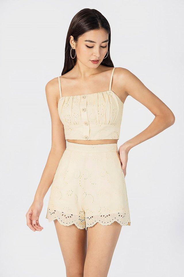Madelyn Scallop Eyelet Shorts (Peach Cream)