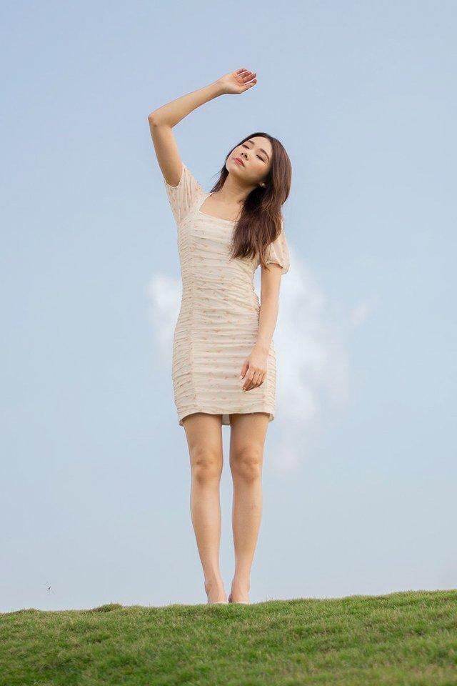 REMI MESH RUCHED DRESS #MONGXLOVET (FLORAL CREME)